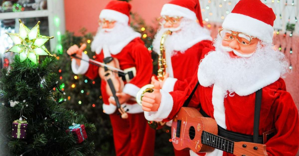 Top 10 Most Popular Christmas Songs You Should Listen To