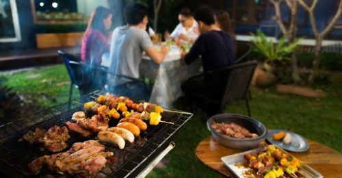 Chill at home while having a barbecue party on Christmas…
