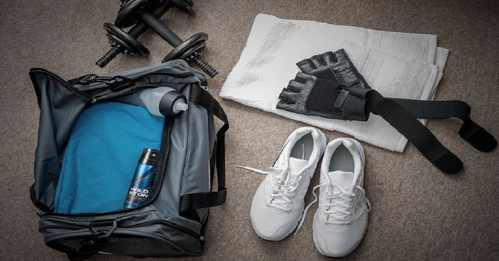 10 Essential Items When Going To The Gym