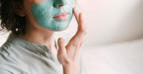 How to take care of your skin naturally?