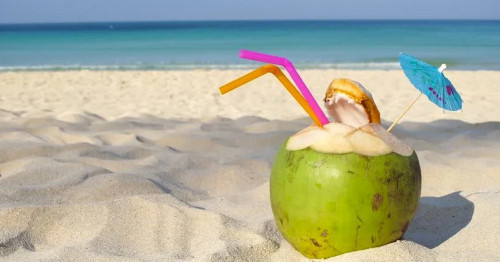 Coconut water can not only help you lose weight but also solve cosmetic problems