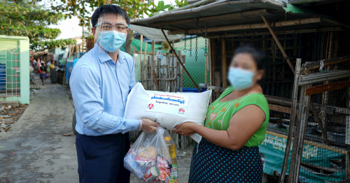 Huawei Myanmar donates 75 lakh kyats worth of food items for 500 households